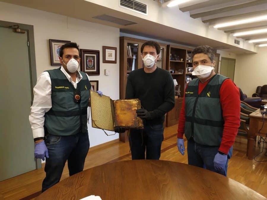 Ezcaray recupera tres documentos históricos de su fuero 2
