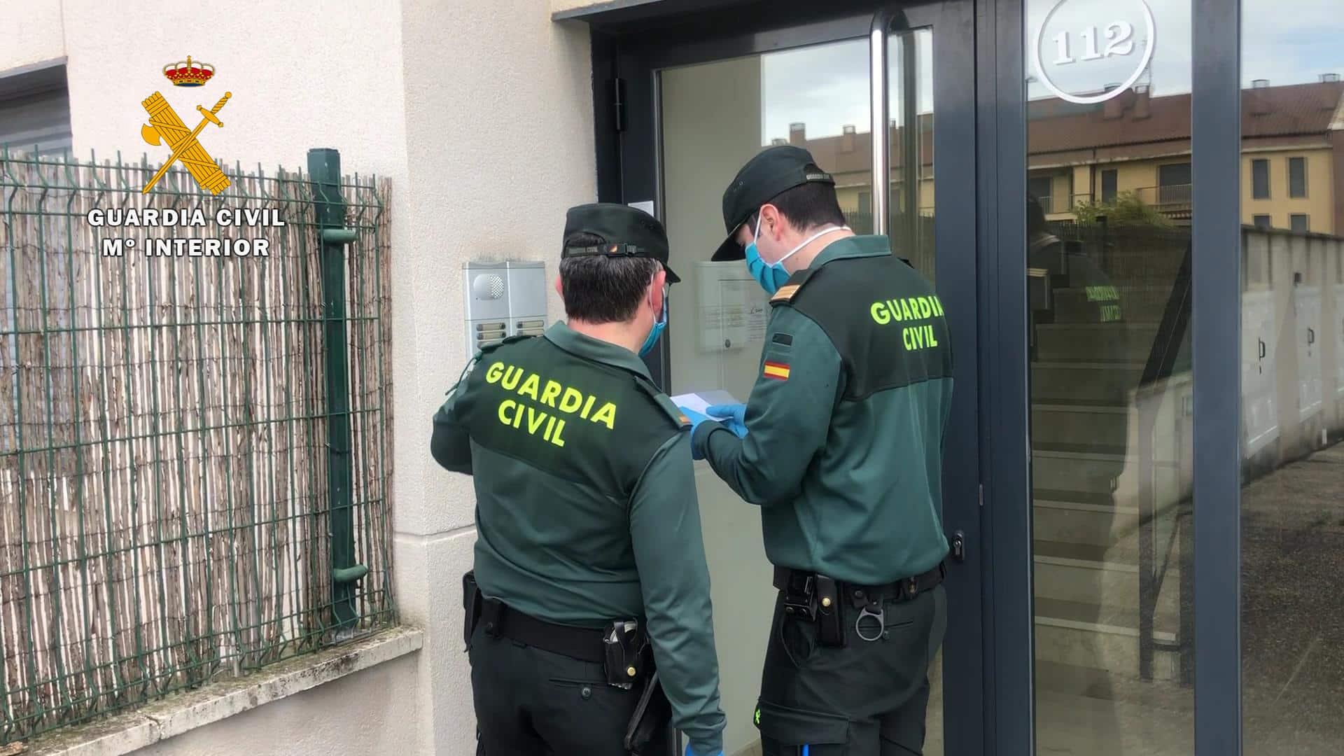 La Guardia Civil colabora en la entrega de deberes y tablets a los niños de Santo Domingo de la Calzada 2