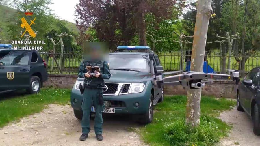 Detenidas dos personas en Alesón por colocar clavos en la carretera para provocar accidentes de tráfico 6