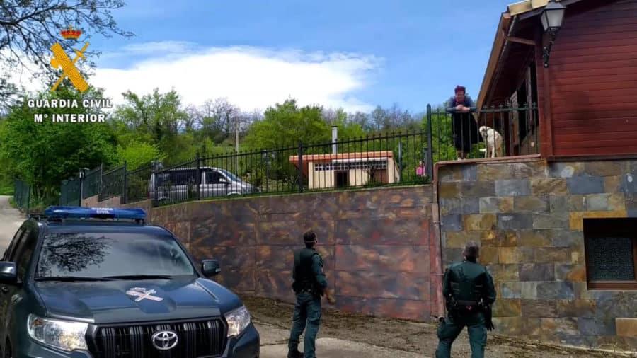Detenidas dos personas en Alesón por colocar clavos en la carretera para provocar accidentes de tráfico 5