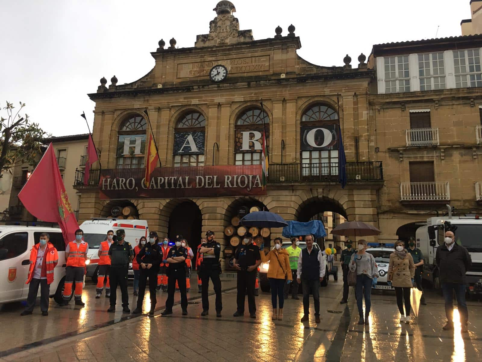 FOTOS: Haro homenajea a los héroes del coronavirus con una 'caravana solidaria' 1