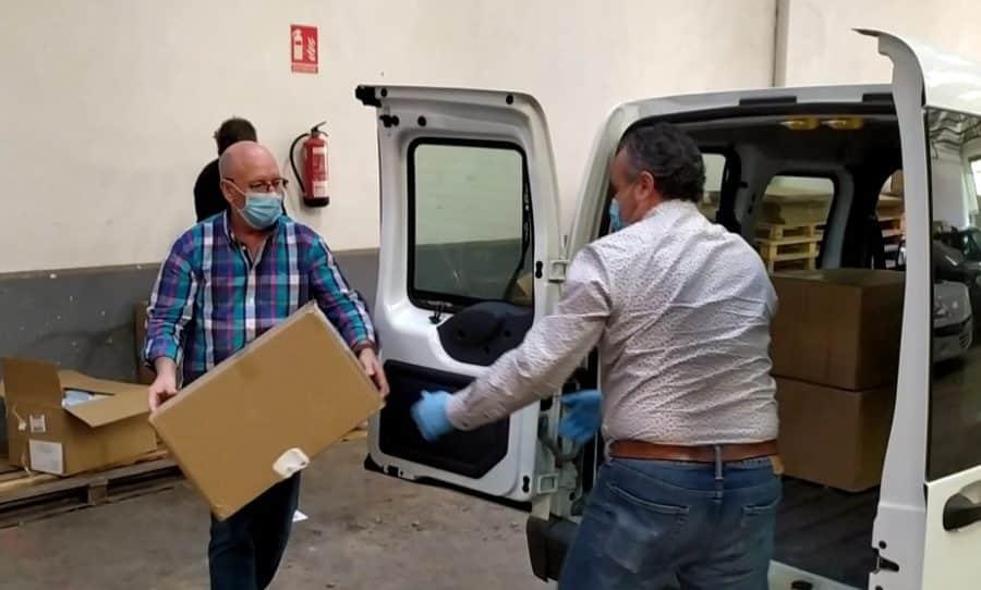 Protección Civil participa en el reparto de mascarillas en Haro y Nájera 4