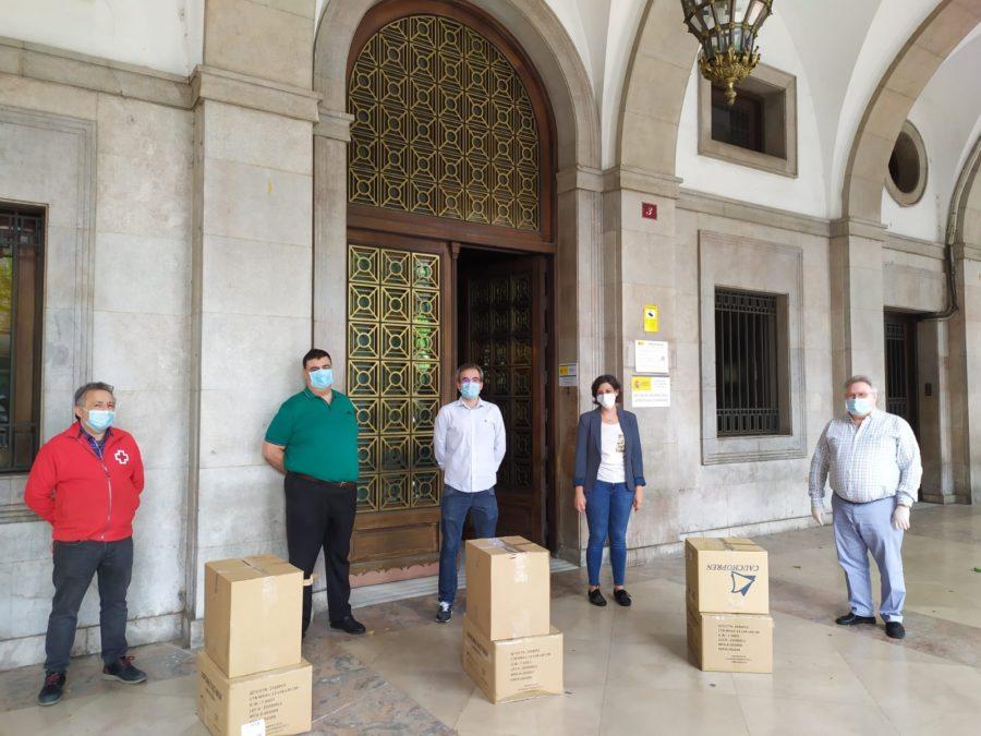 Protección Civil participa en el reparto de mascarillas en Haro y Nájera 5