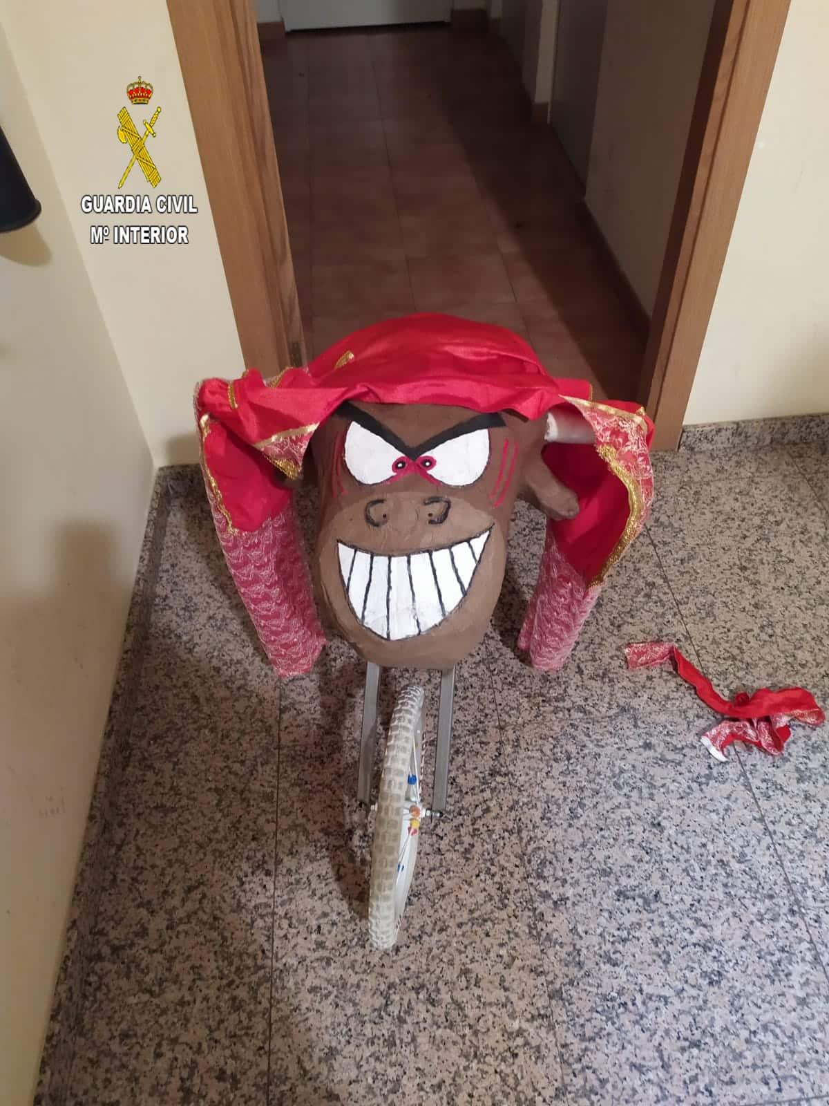 La Guardia Civil denuncia a una persona en La Rioja por saltarse el confinamiento disfrazado de torero 1