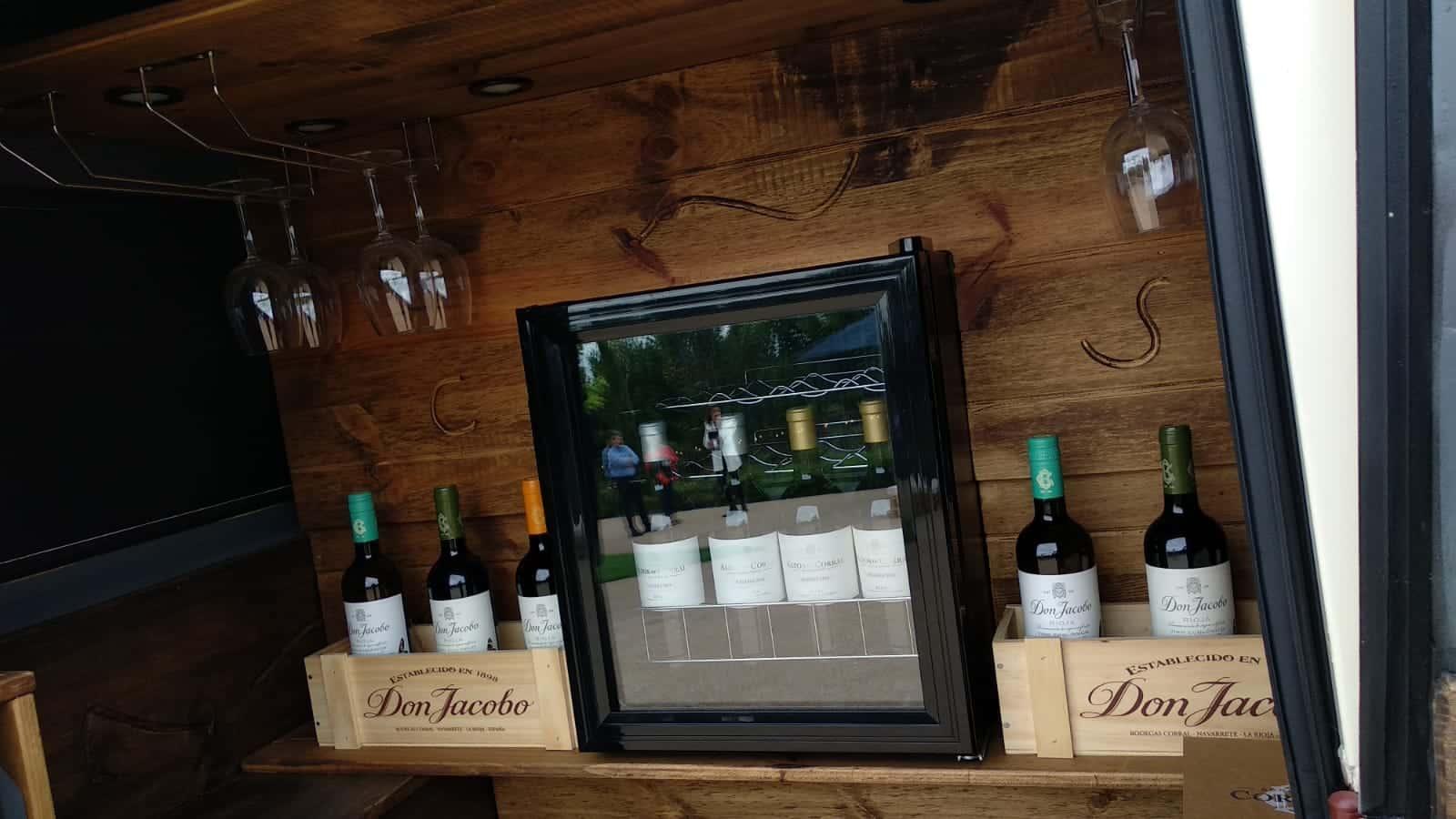 Bodegas Corral lanza su nueva oferta enoturística: terraza con vistas al viñedo y un depósito convertido en sala de catas 5