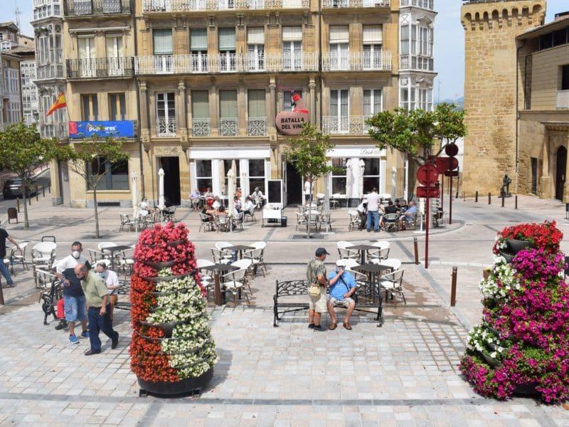 Terrazas en la plaza de la Paz