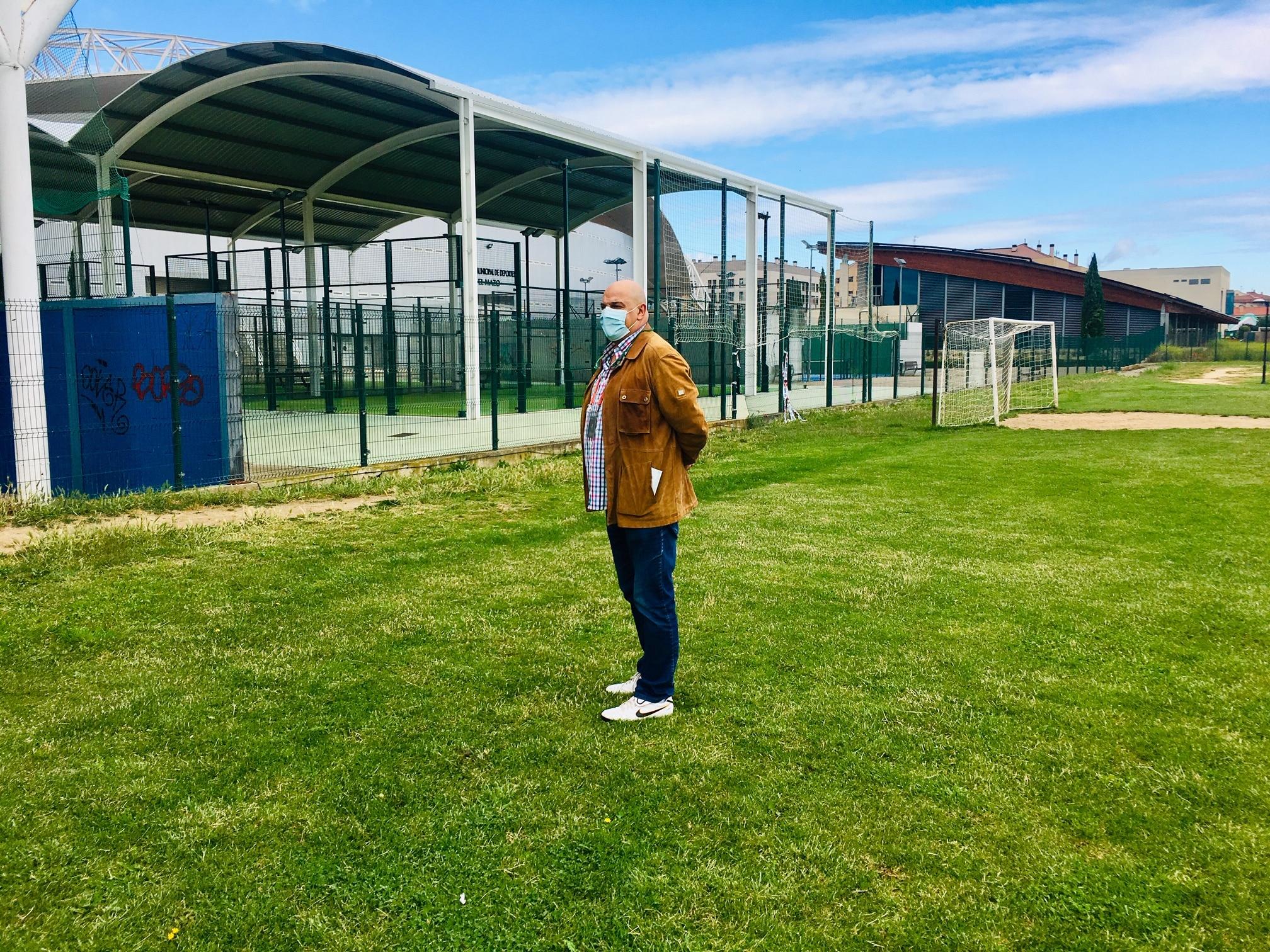 Haro prepara la apertura de las instalaciones deportivas de El Mazo 4