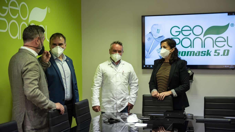 Andreu visita Geopannel, empresa riojana que lidera la alternativa frente a China en la fabricación de mascarillas FFP2 1