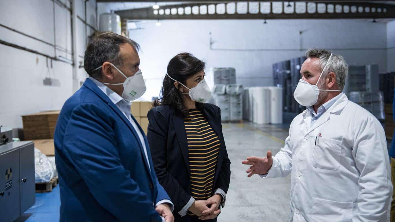 Andreu visita Geopannel, empresa riojana que lidera la alternativa frente a China en la fabricación de mascarillas FFP2 3