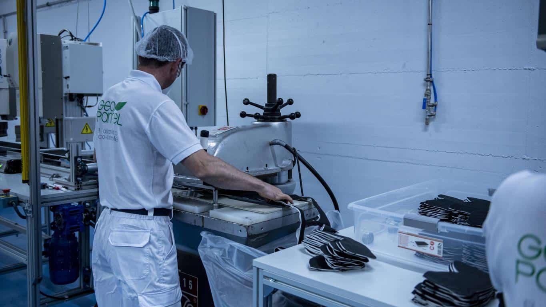 Andreu visita Geopannel, empresa riojana que lidera la alternativa frente a China en la fabricación de mascarillas FFP2 6