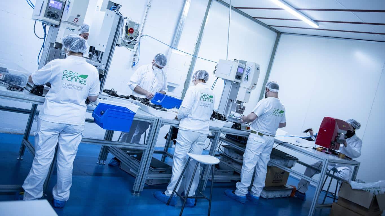 Andreu visita Geopannel, empresa riojana que lidera la alternativa frente a China en la fabricación de mascarillas FFP2 9