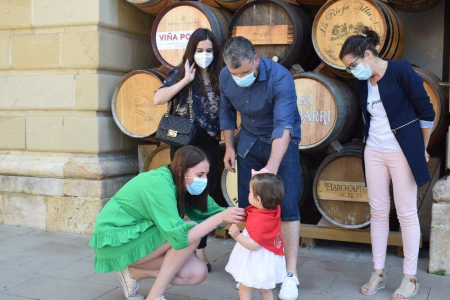 55 niños reciben su pañuelo de las fiestas de Haro en una tradición que sobrevive al COVID 6