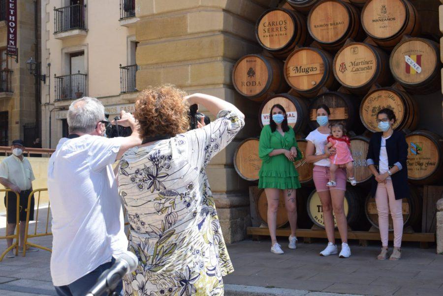55 niños reciben su pañuelo de las fiestas de Haro en una tradición que sobrevive al COVID 3