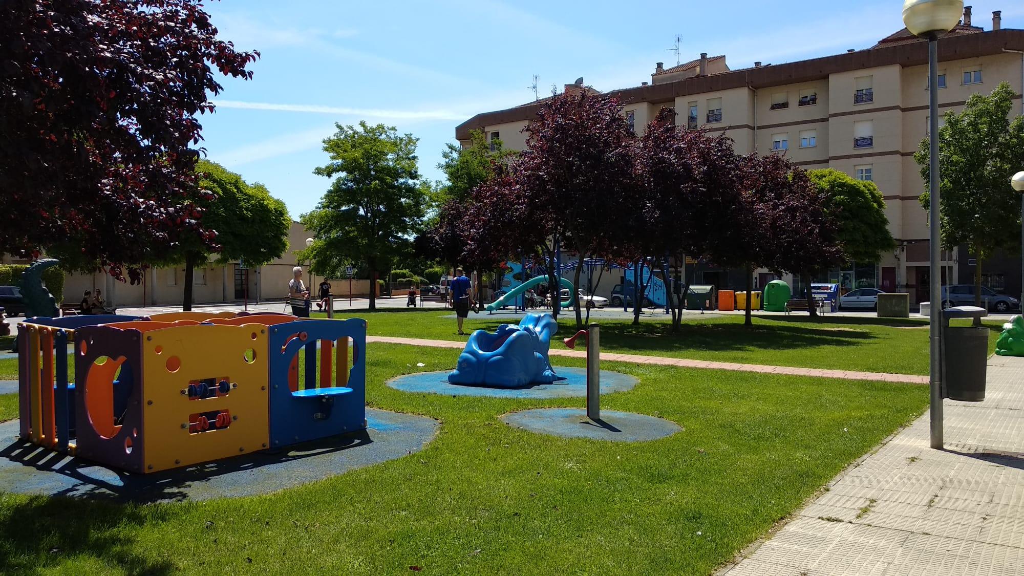 Los niños de Haro ya disfrutan de los parques infantiles de la localidad 3