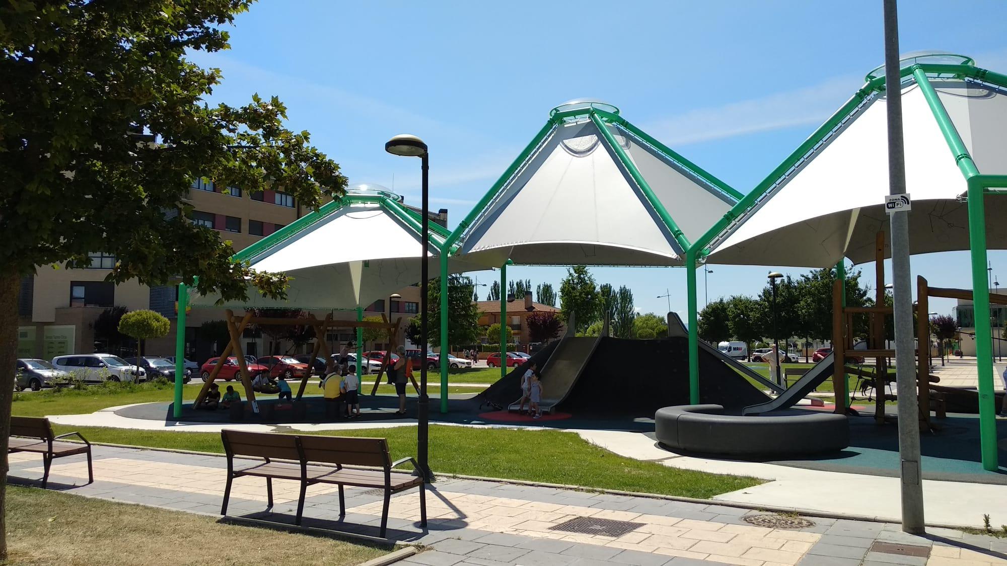 Los niños de Haro ya disfrutan de los parques infantiles de la localidad 5