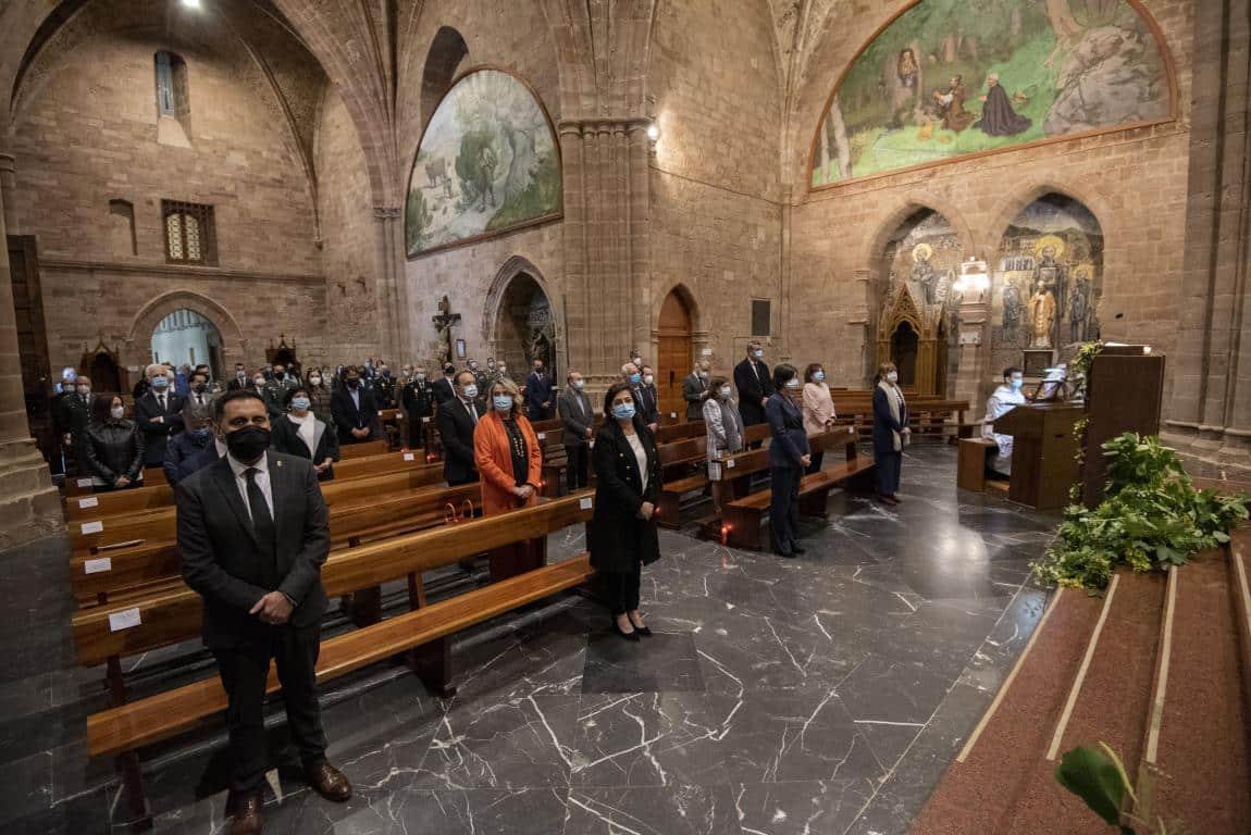 FOTOS: Funeral en Valvanera en honor a las víctimas por COVID-19 9