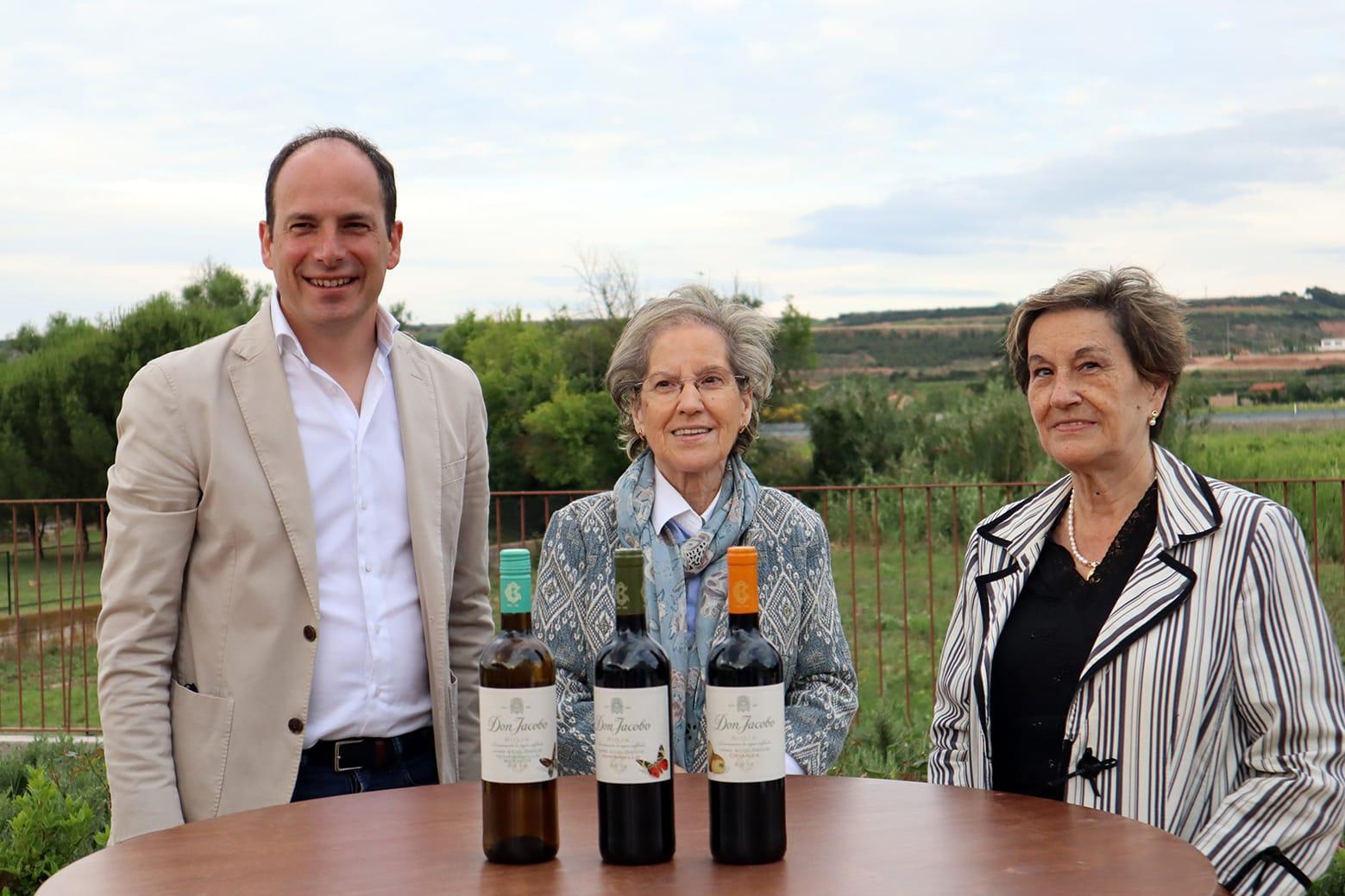 Bodegas Corral lanza su nueva oferta enoturística: terraza con vistas al viñedo y un depósito convertido en sala de catas 1