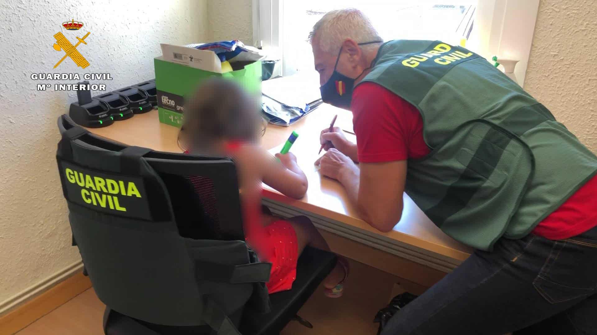 La Guardia Civil auxilia a una niña de 7 años, abandonada en plena N-111 a su paso por La Rioja 2