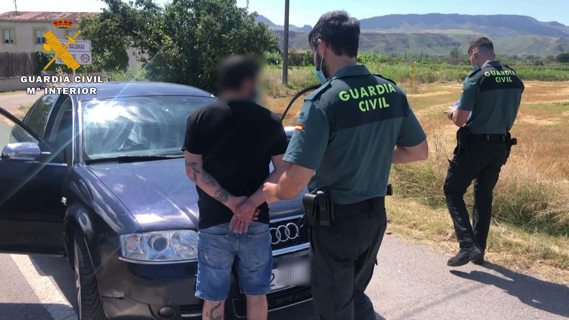 La Guardia Civil auxilia a una niña de 7 años, abandonada en plena N-111 a su paso por La Rioja 3