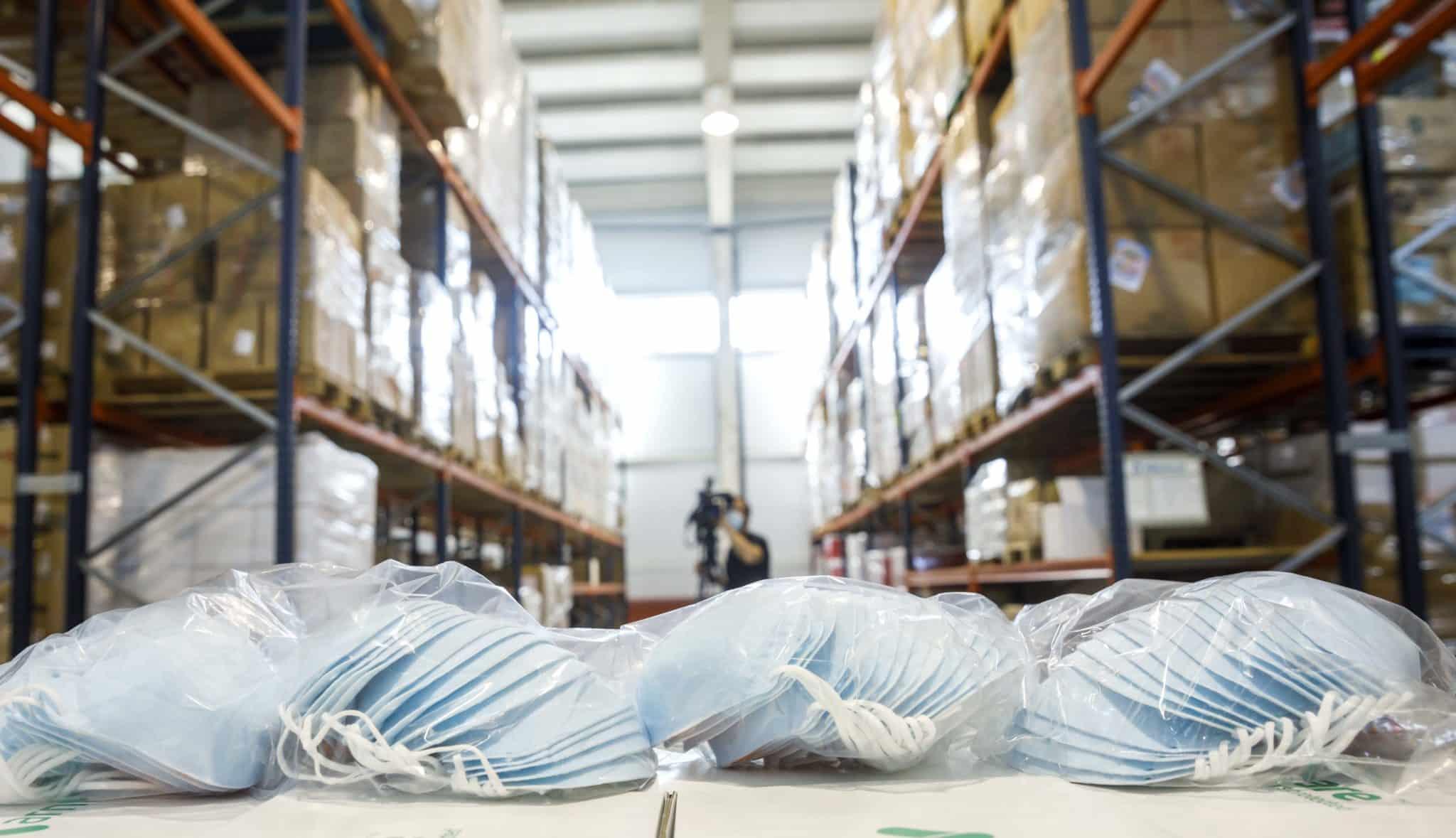 """El almacén del Gobierno riojano, """"preparado para lo imprevisible"""", con más de 10 millones de unidades de material sanitario 3"""