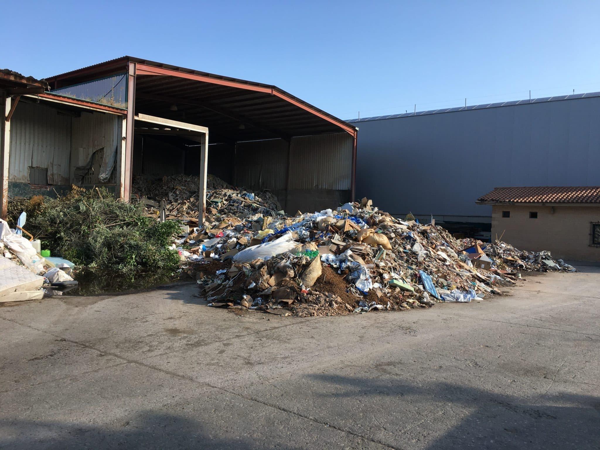 La Rioja clausura tres instalaciones de residuos no autorizadas en Albelda de Iregua y Murillo de Río Leza 2