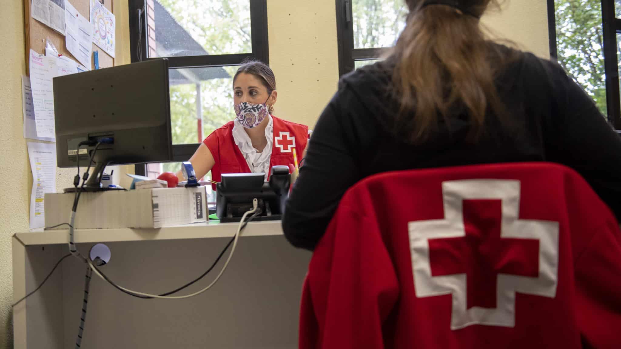 La presidenta Andreu agradece la labor de Cruz Roja durante la pandemia 1