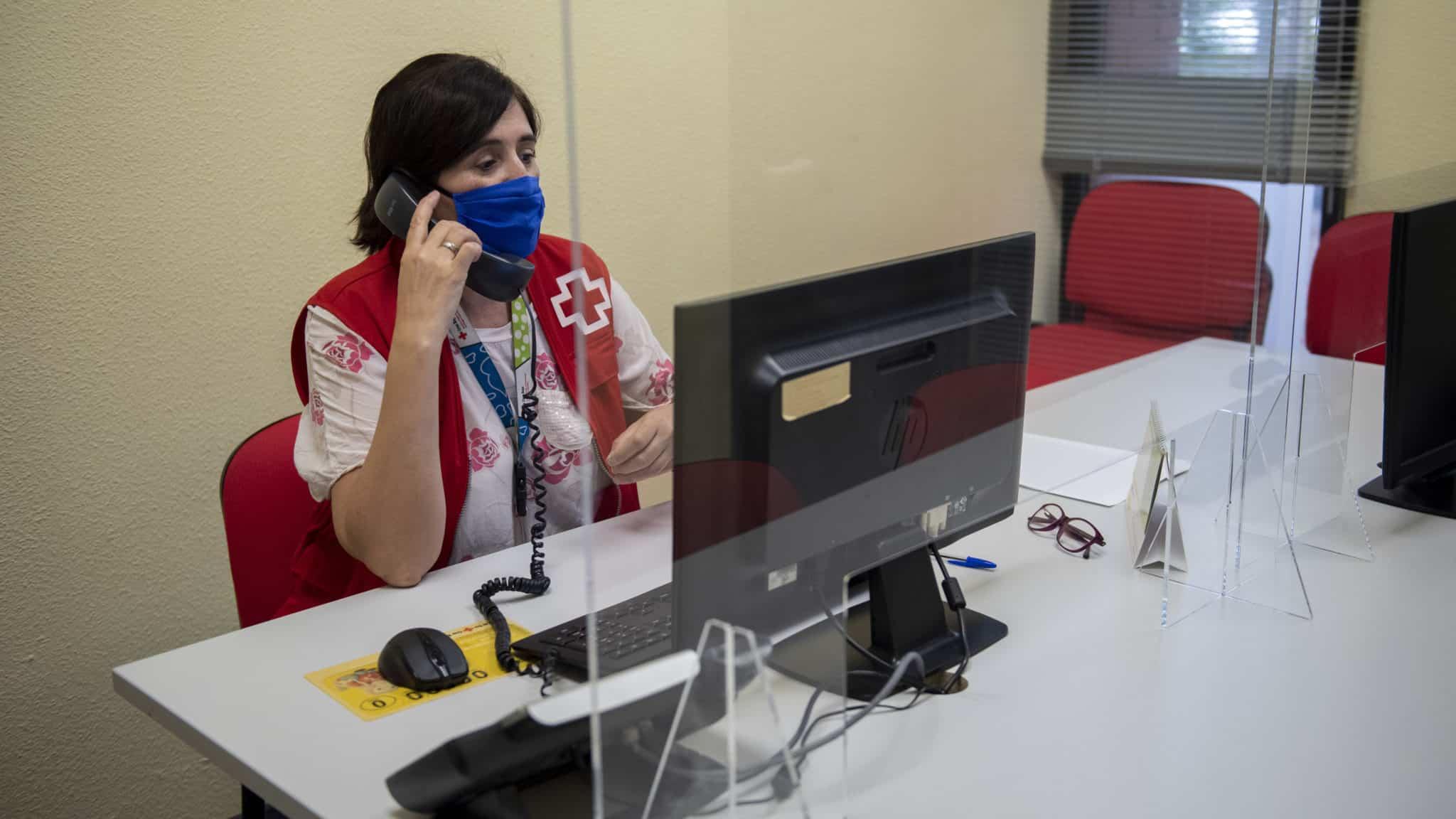 La presidenta Andreu agradece la labor de Cruz Roja durante la pandemia 4