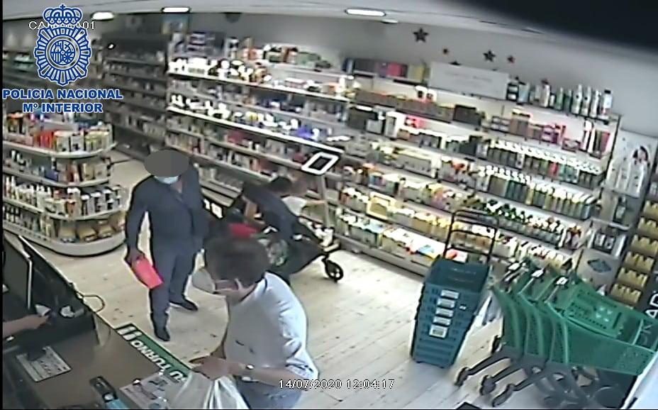 Detenido un hombre por sustraer 3.000 euros en tres establecimientos de Logroño 1