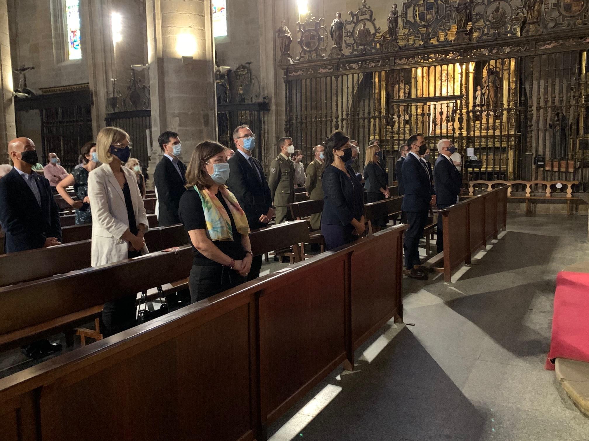La Rioja rinde homenaje a las víctimas de la pandemia con una misa funeral 2