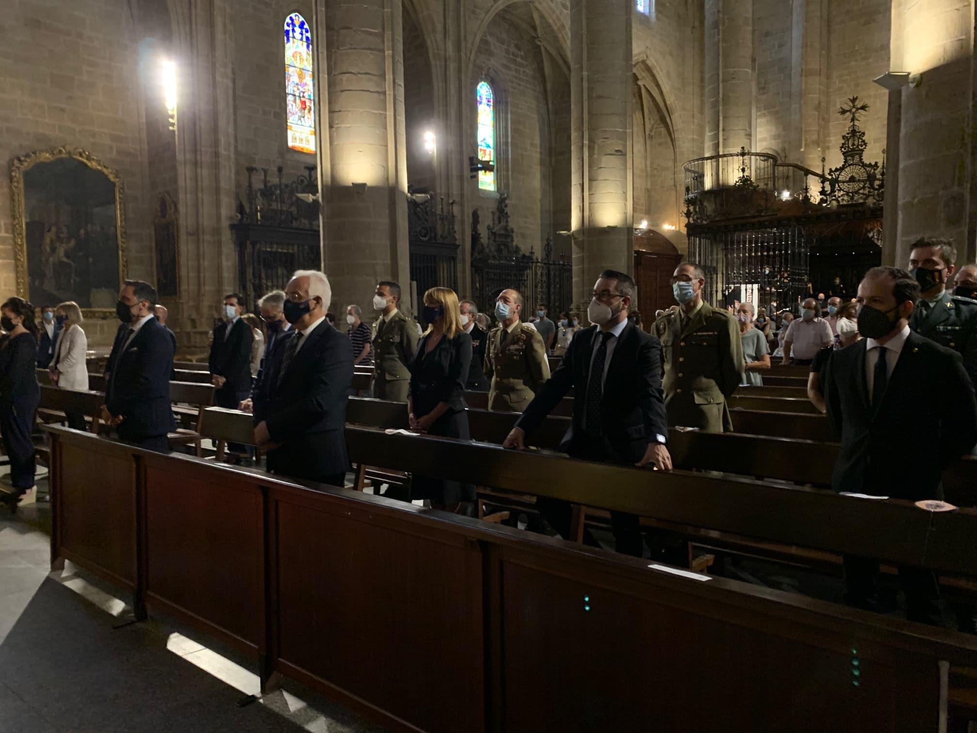 La Rioja rinde homenaje a las víctimas de la pandemia con una misa funeral 1
