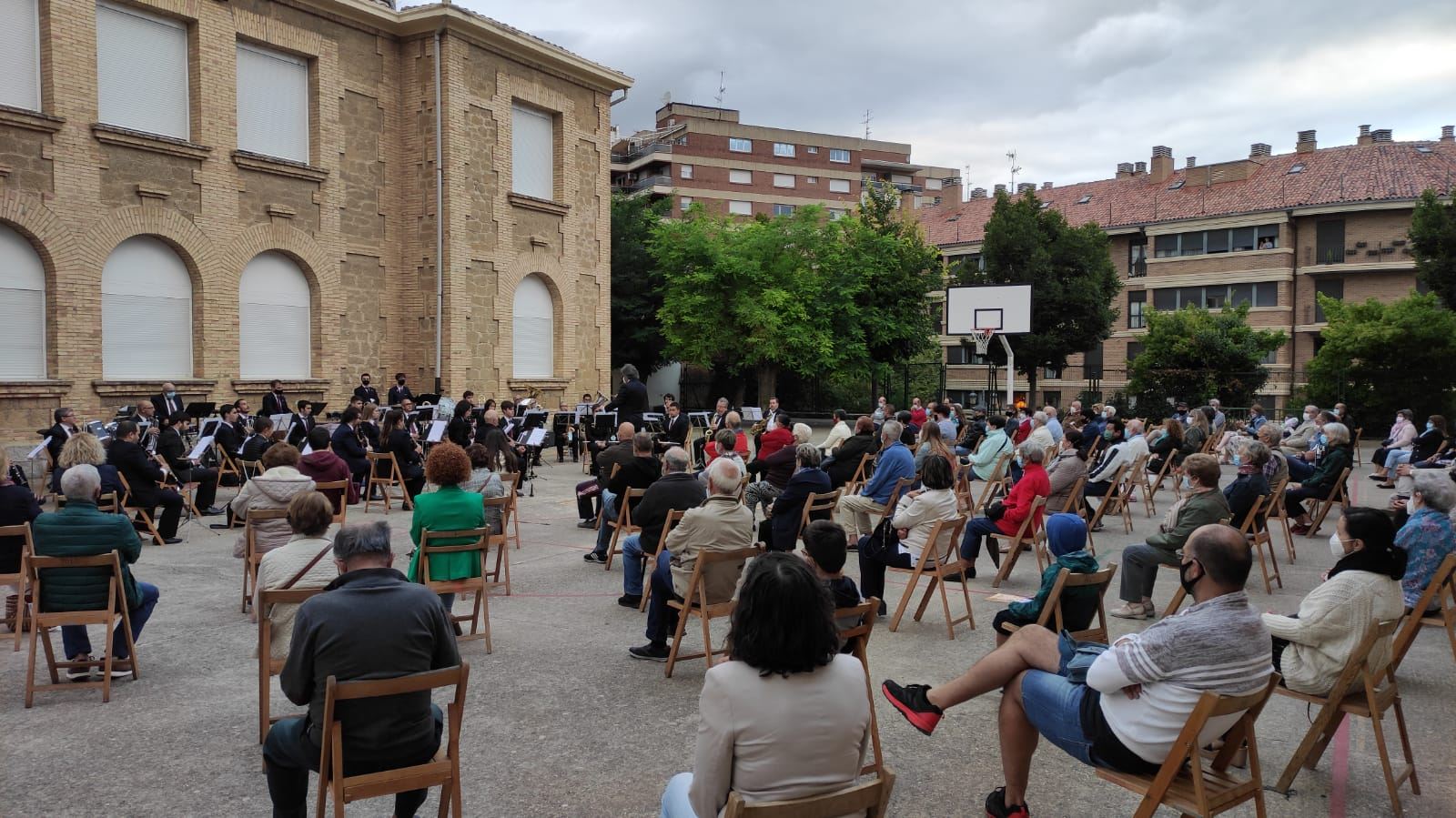 La Banda de Música de Haro vuelve a sonar en el patio del Colegio San Felices 3