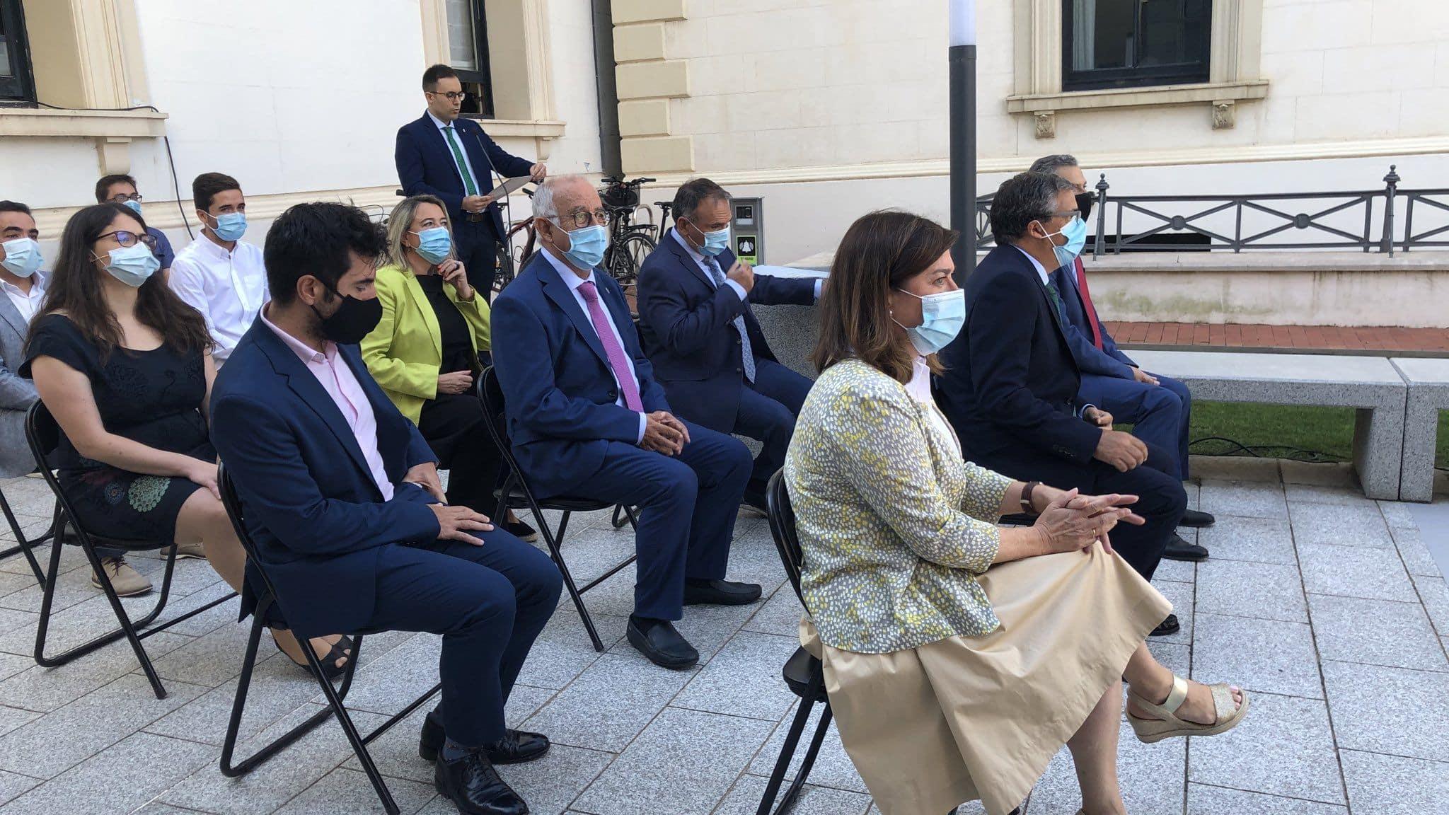 """""""La nueva estructura del Gobierno riojano va encaminada a fortalecer los servicios públicos"""" 2"""
