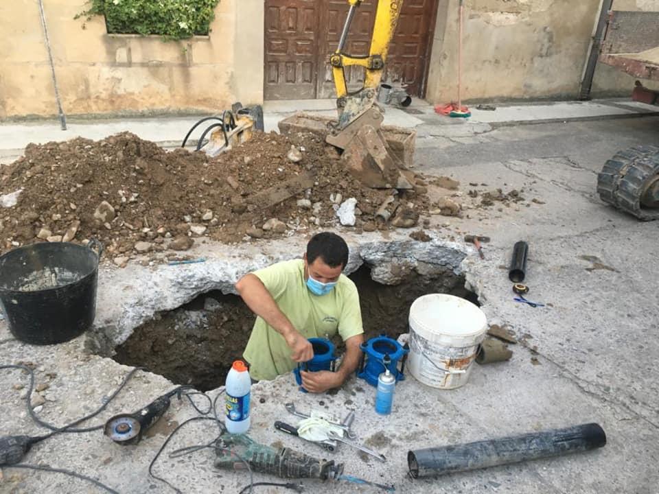 Casalarreina repara una fuga de agua en tiempo récord 1
