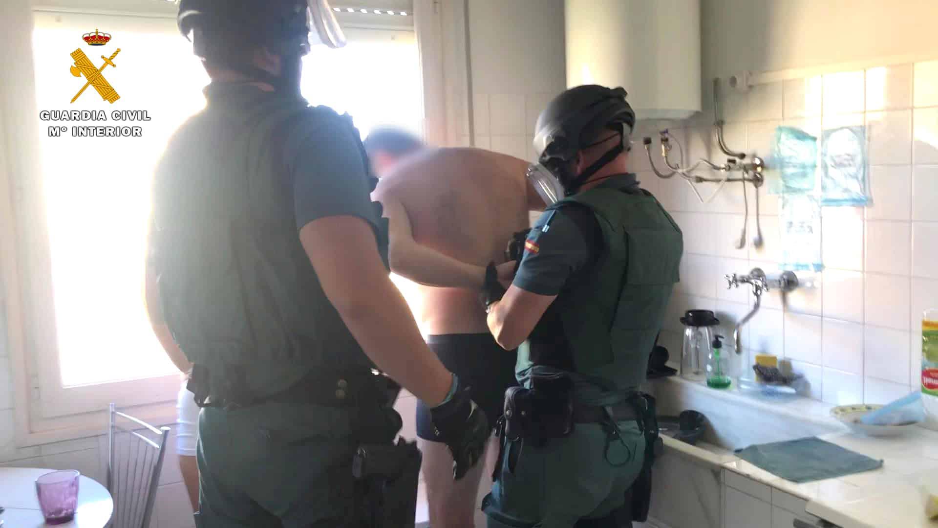 La Guardia Civil desmantela un punto de venta de cocaína en Fuenmayor 9
