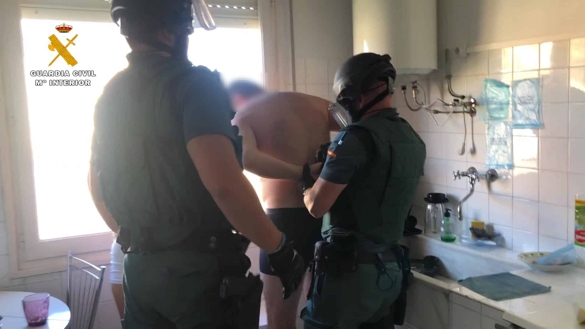 La Guardia Civil desmantela un punto de venta de cocaína en Fuenmayor 4