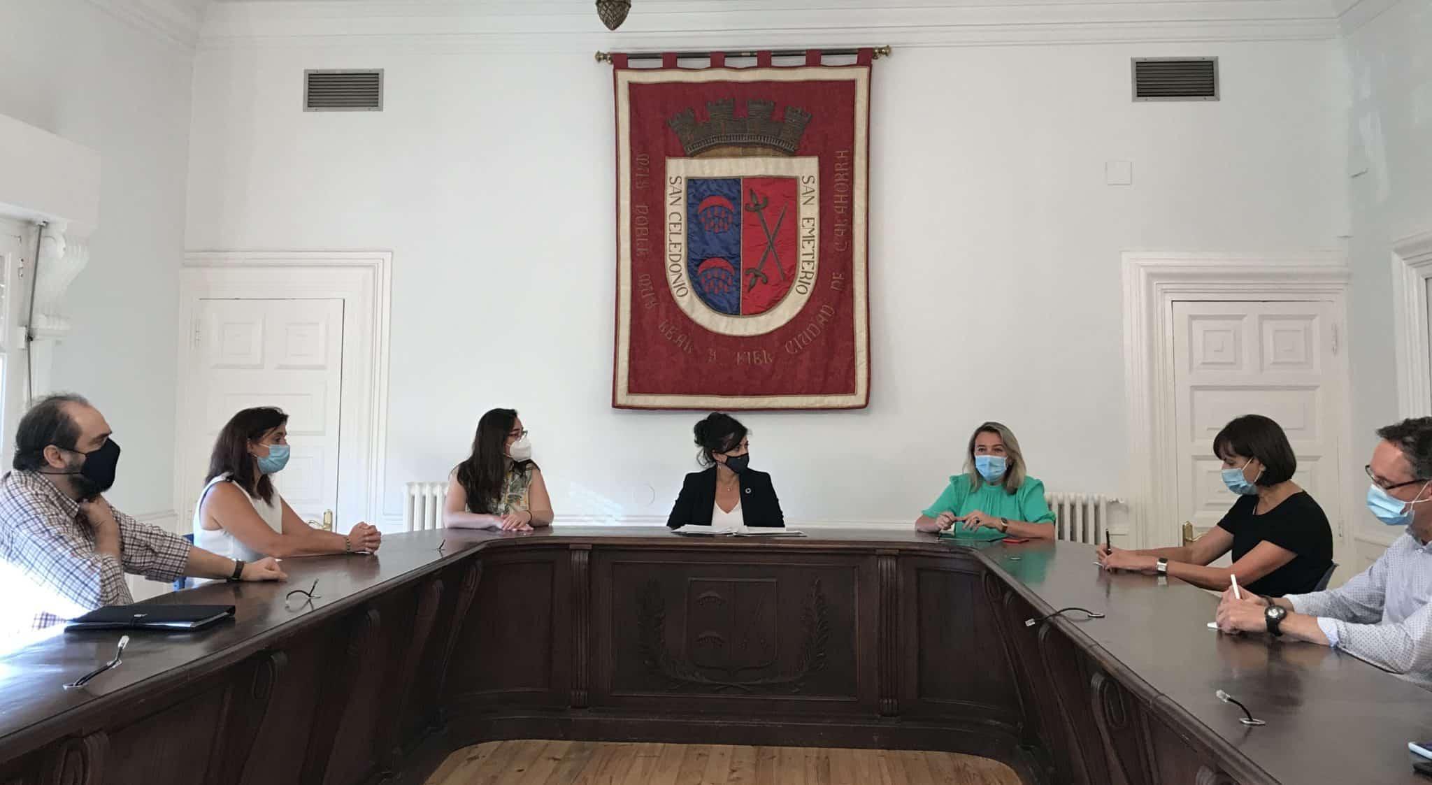 Andreu se reúne con ayuntamientos y Comités de Cuidados Rurales de Calahorra, Cervera del Río Alhama y Arnedo para apoyar su trabajo ante la COVID-19 1