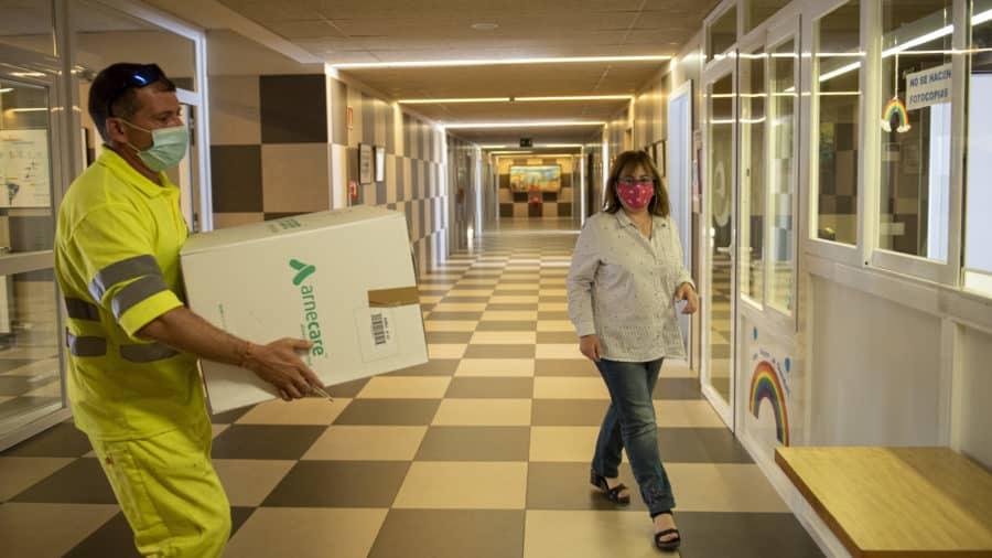 Finaliza el reparto de material anti-covid entre los centros educativos de La Rioja 2