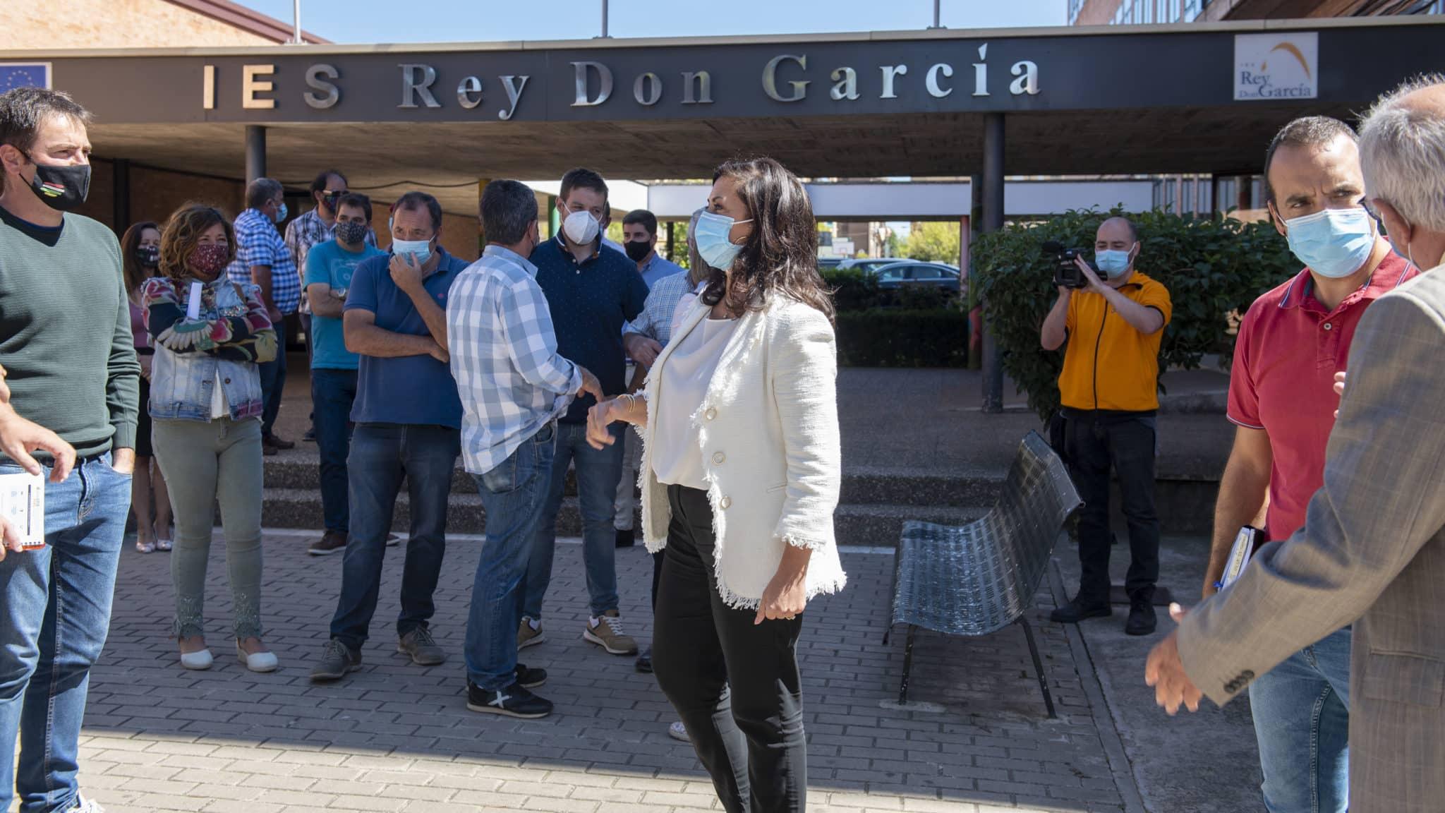 """Andreu preside en Nájera una reunión con centros educativos y alcaldes: """"La pandemia no puede hipotecar la Educación de nuestros hijos"""" 2"""