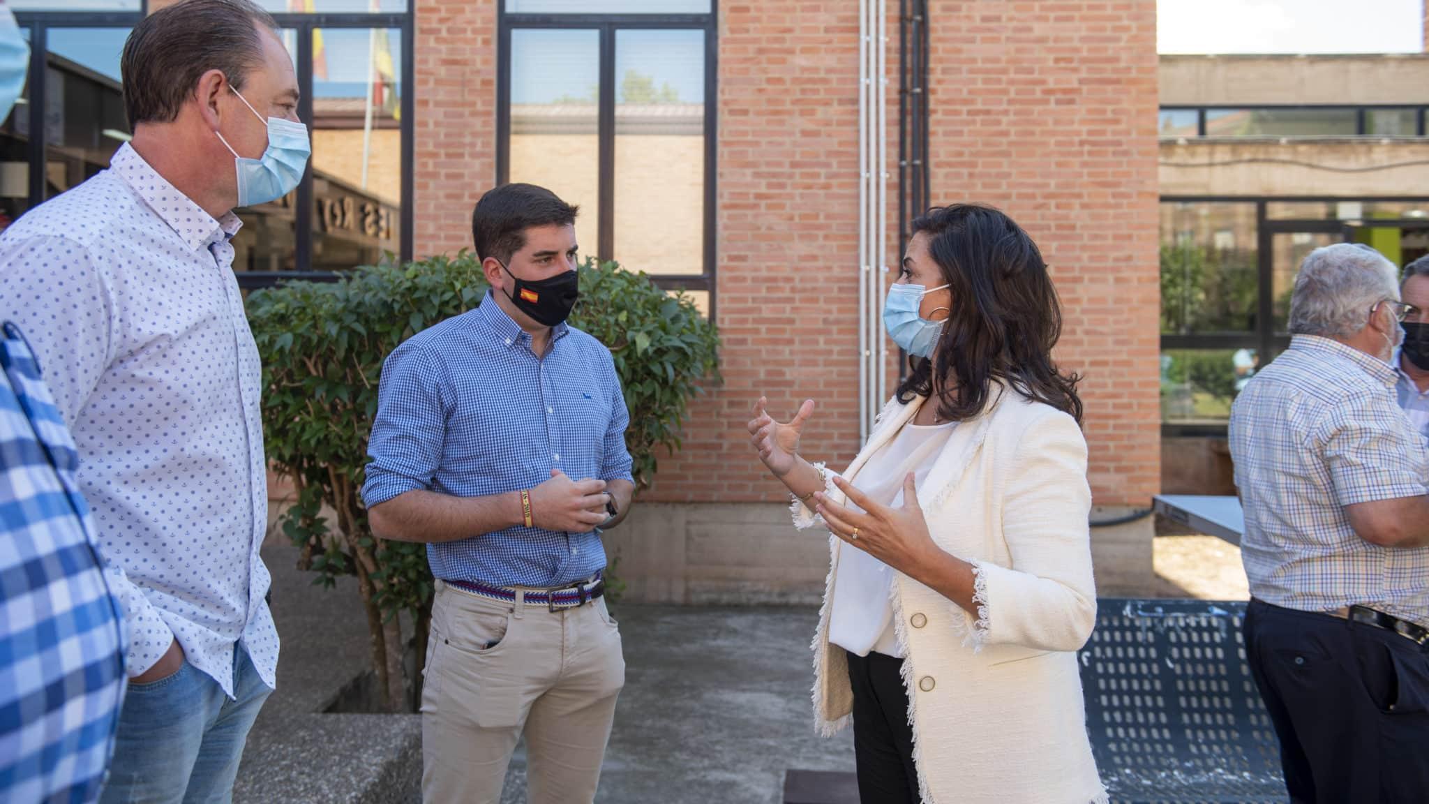 """Andreu preside en Nájera una reunión con centros educativos y alcaldes: """"La pandemia no puede hipotecar la Educación de nuestros hijos"""" 1"""