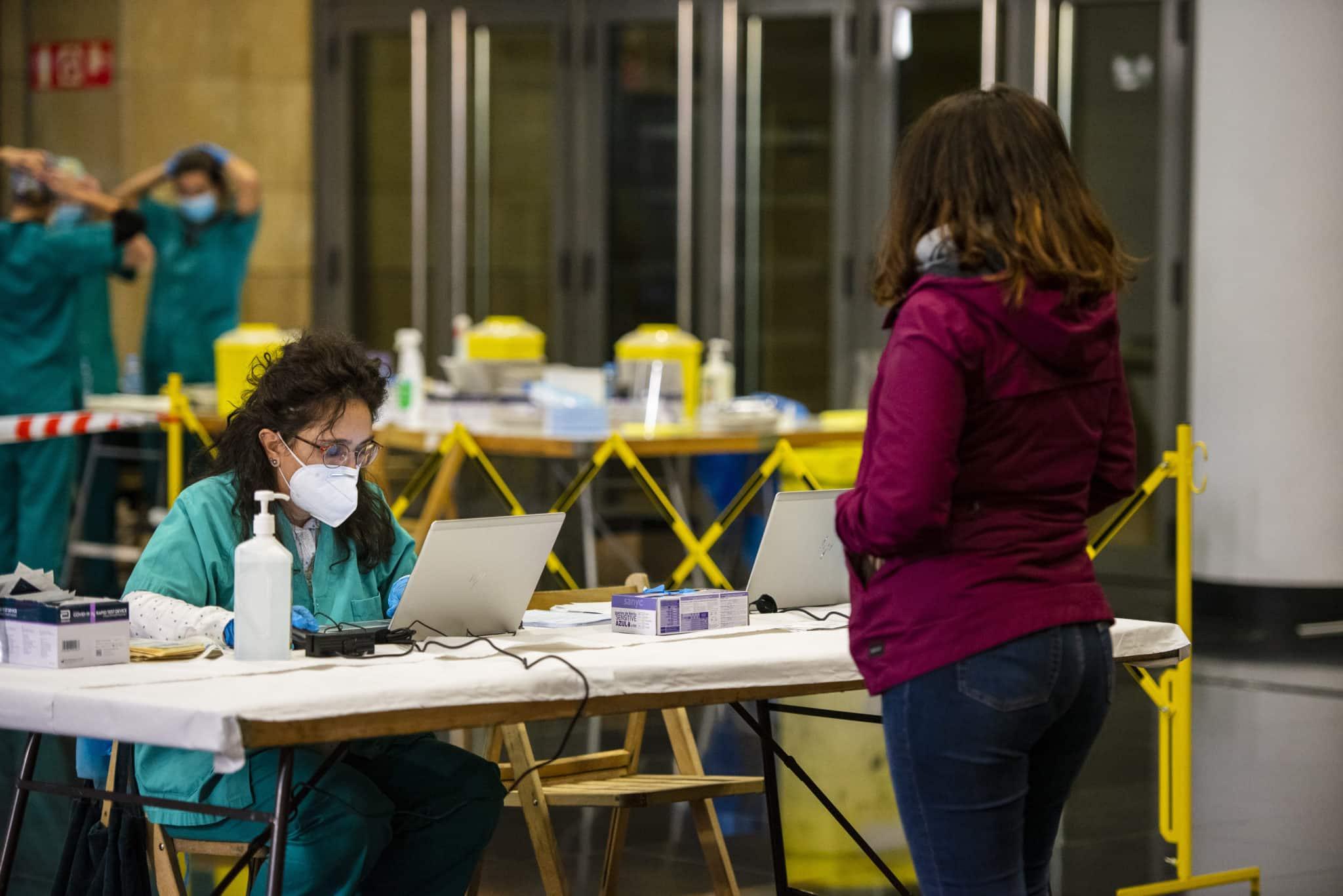 El dispositivo especial de cribado en Logroño recoge más de 800 muestras en las cuatro primeras horas 7