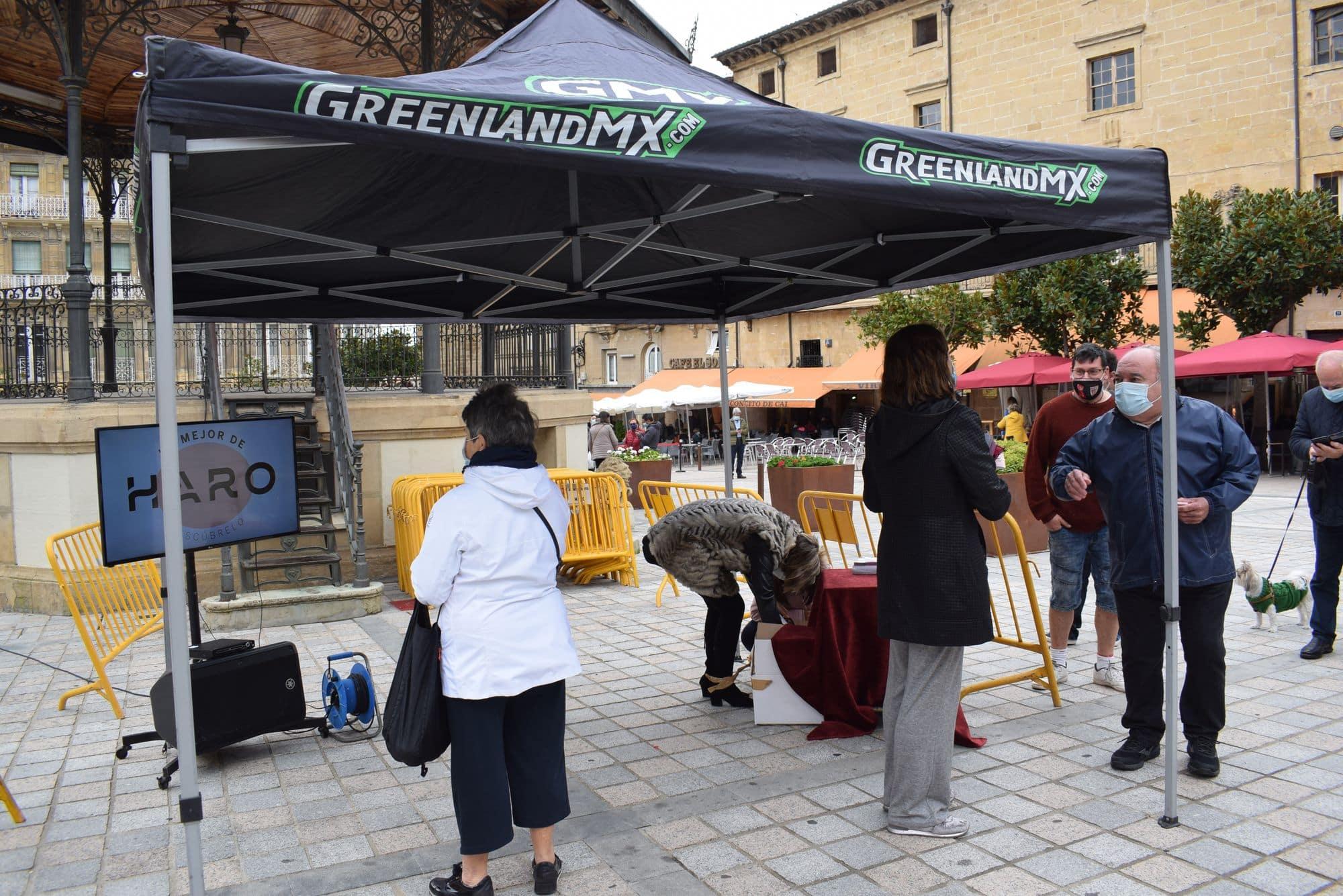 La plaza de la Paz estrena un photocall con el lema 'Haro, Capital del Rioja' 3
