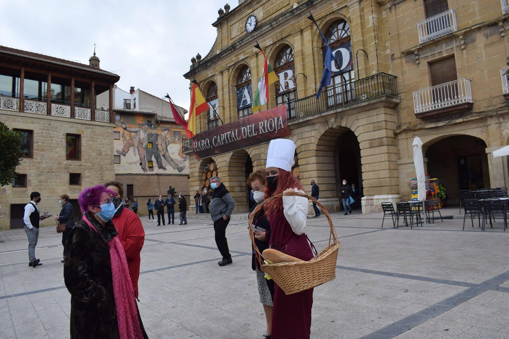 La plaza de la Paz estrena un photocall con el lema 'Haro, Capital del Rioja' 4