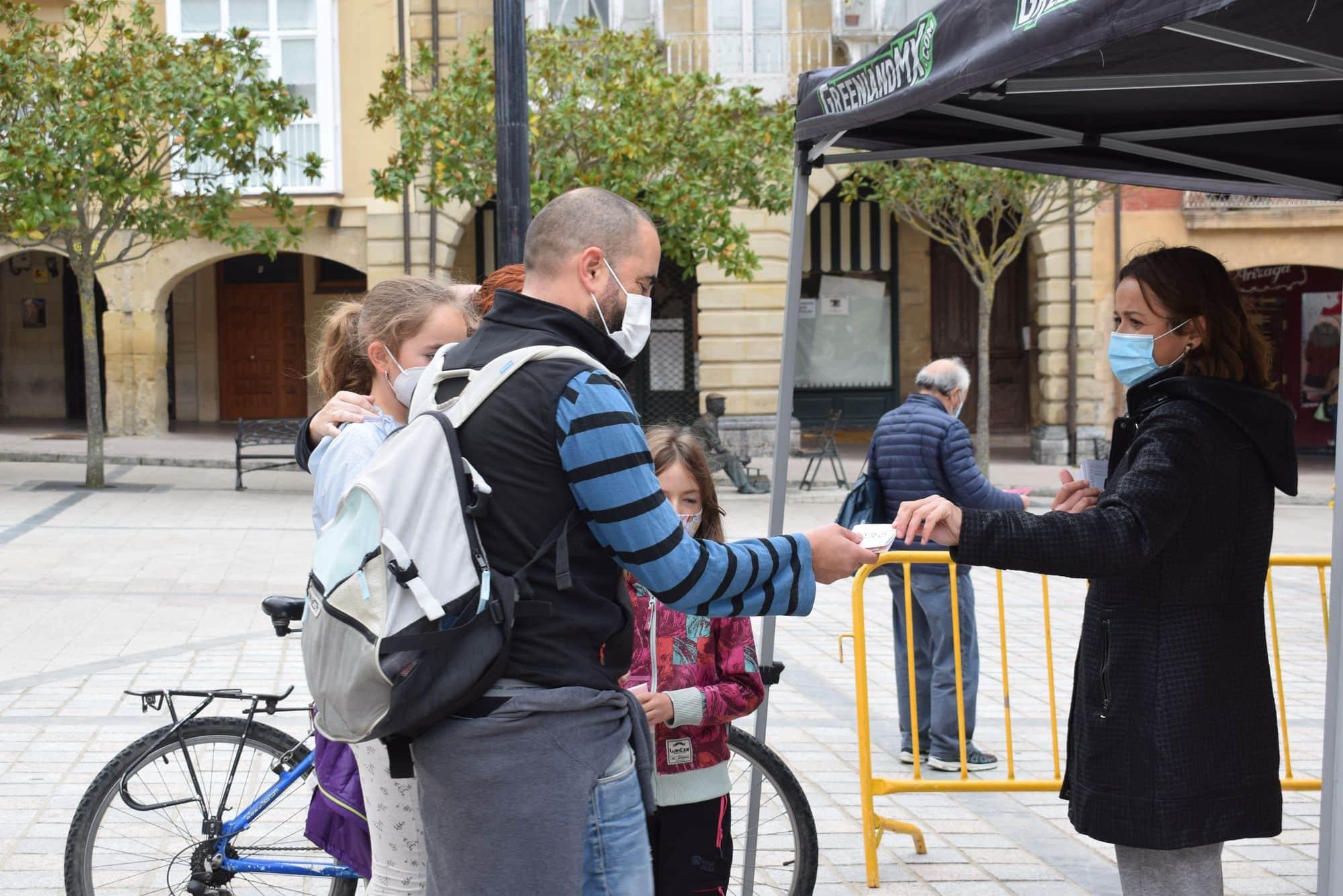 La plaza de la Paz estrena un photocall con el lema 'Haro, Capital del Rioja' 7