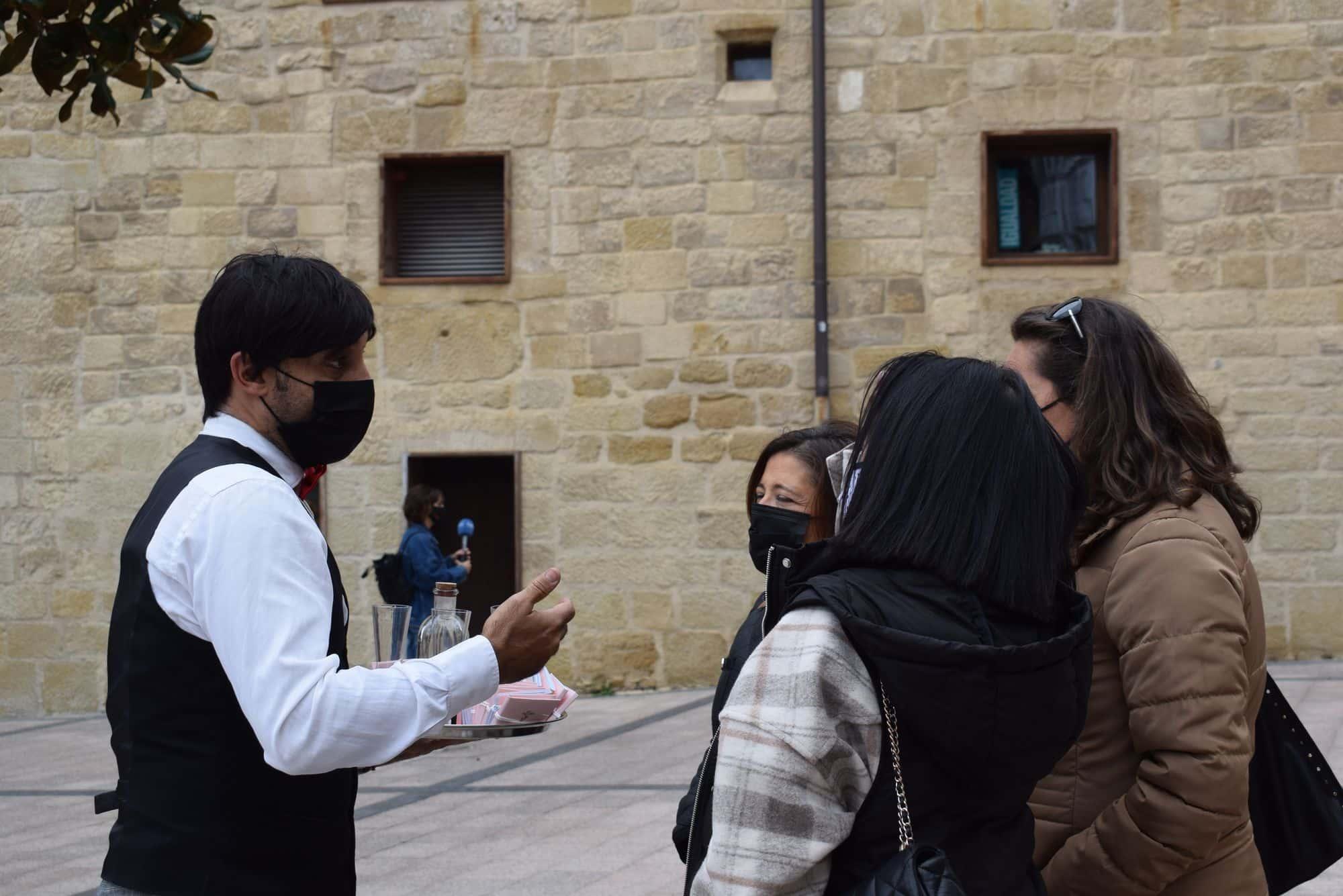 La plaza de la Paz estrena un photocall con el lema 'Haro, Capital del Rioja' 8