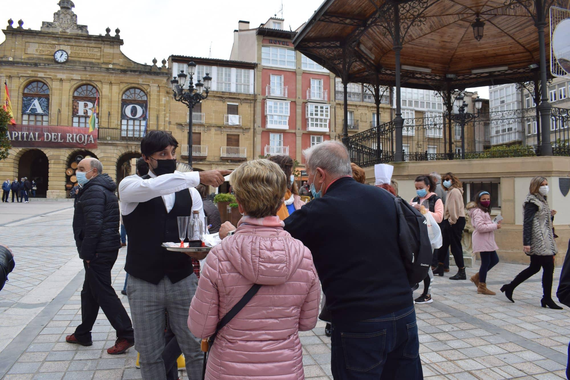 La plaza de la Paz estrena un photocall con el lema 'Haro, Capital del Rioja' 9