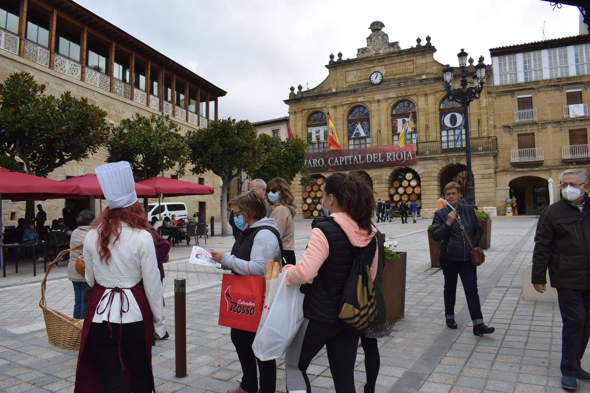La plaza de la Paz estrena un photocall con el lema 'Haro, Capital del Rioja' 10