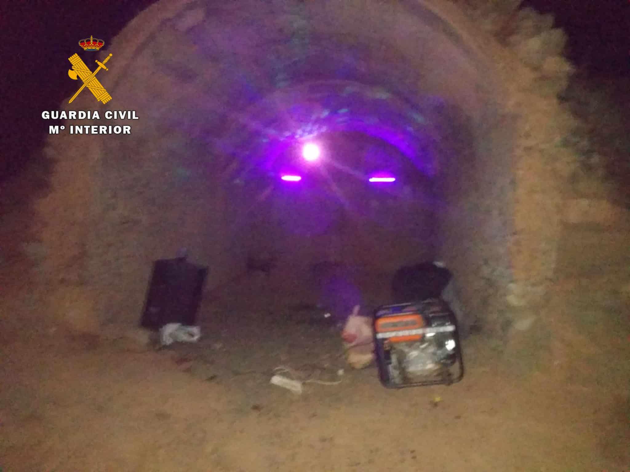 La Guardia Civil disuelve una 'rave' ilegal en Badarán con 20 participantes 1