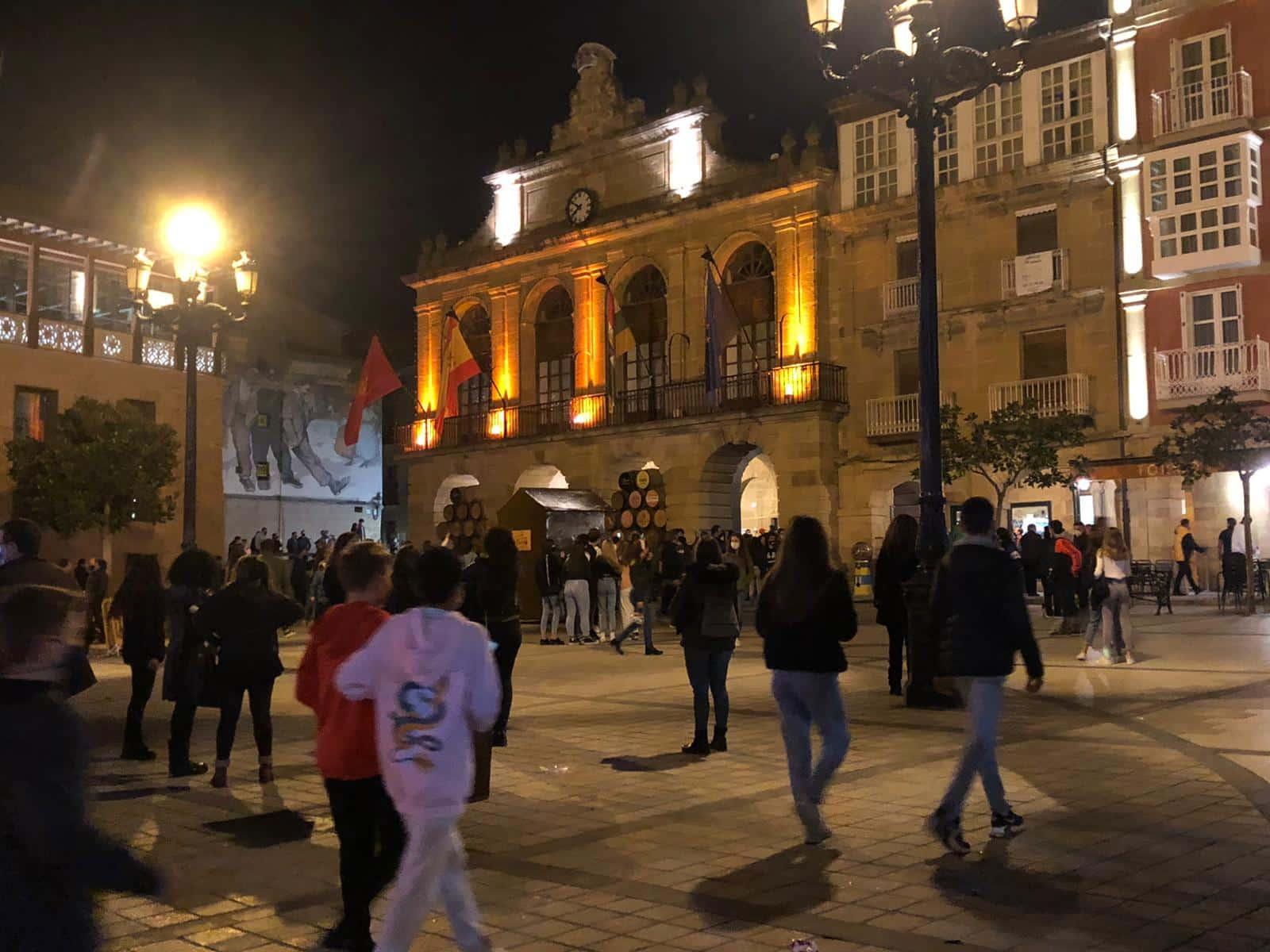 Policía Local y Guardia Civil intervienen en Haro en una manifestación contra las restricciones 4