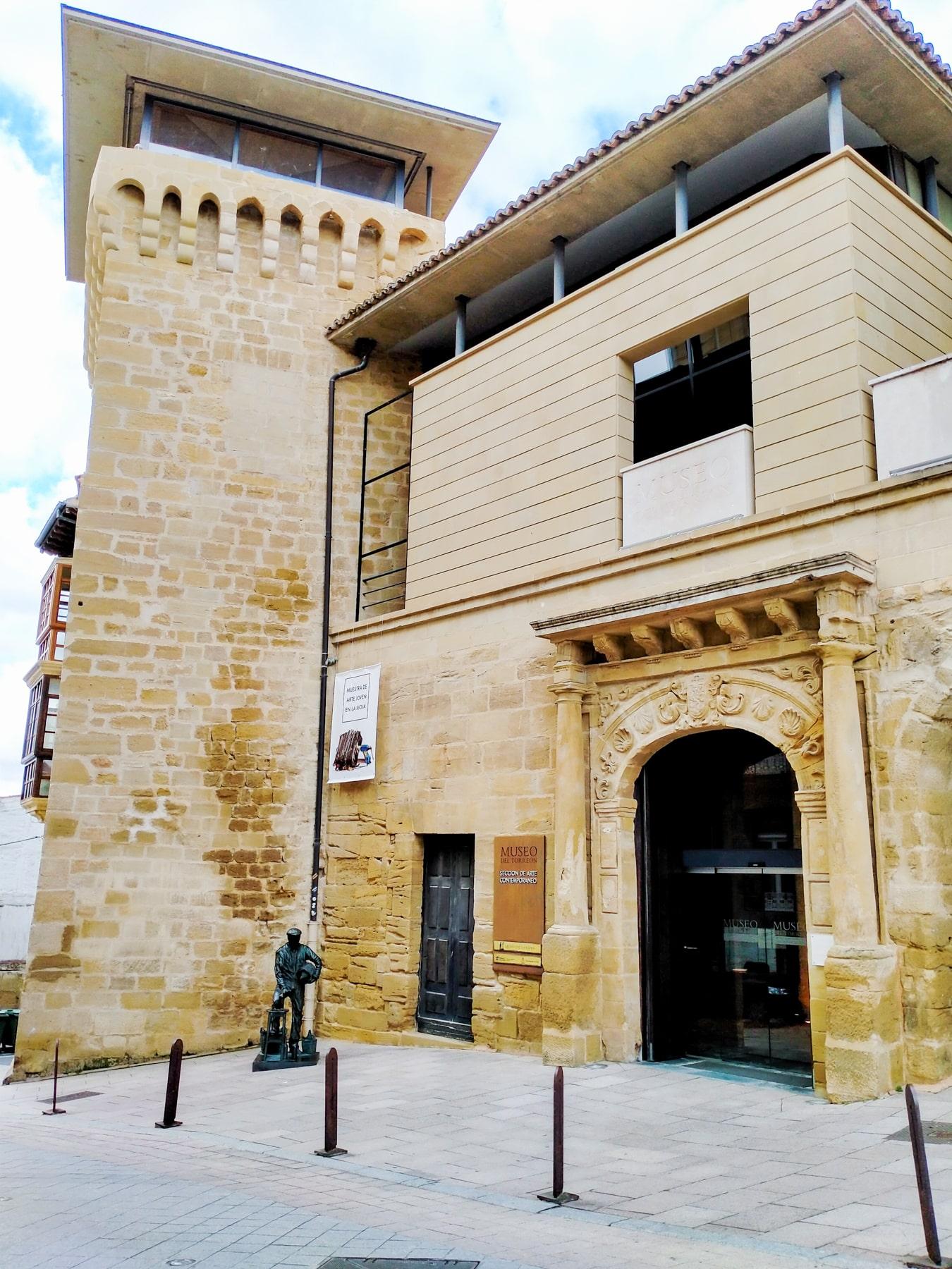 La Muestra Itinerante de Arte Joven de La Rioja llega a Haro 2