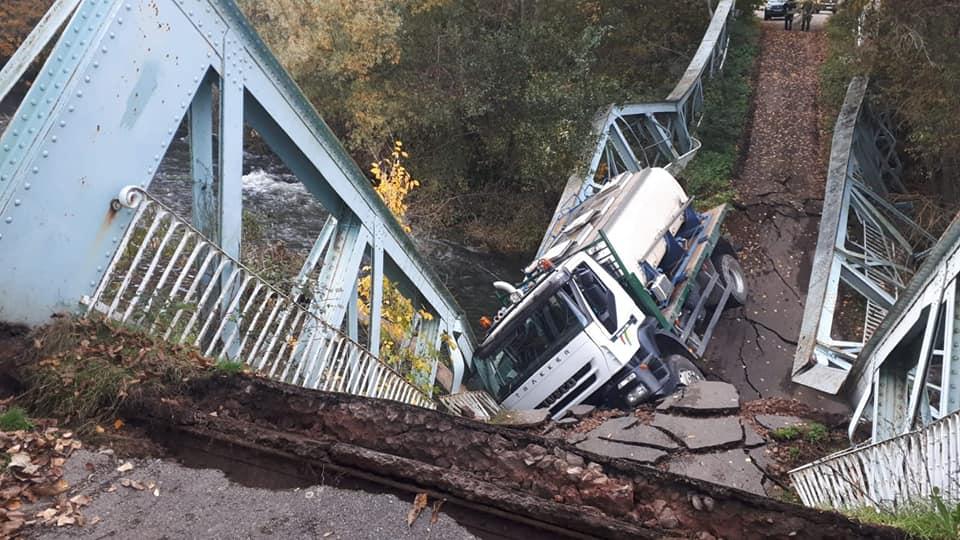 Hundimiento del puente de Arenzana
